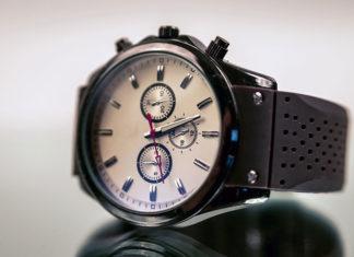 Zegarek – przeżytek czy wiecznie modny drobiazg?